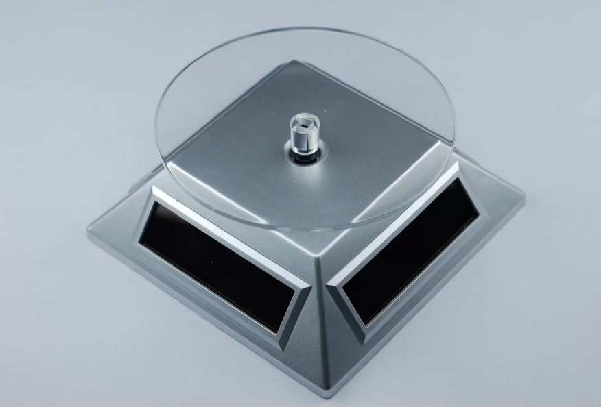 Stand rotativ incarcare solara pentru ceasuri bijuterii thumbnail